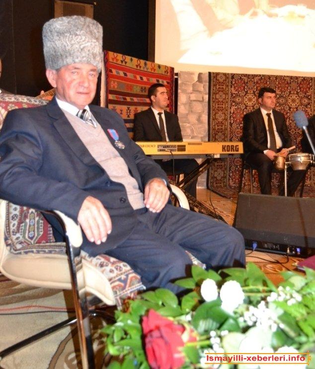 Бадалова отмечен юбилей ашуга Января 75 года